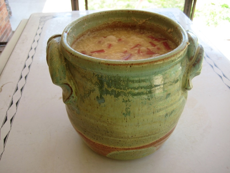 Handcrafted crock by Massachusetts potter Jeremy Ogusky (www.etsy.com/people/oguskyceramics).